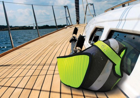 Project of personal flotation device designed for water sports' enthusiasts